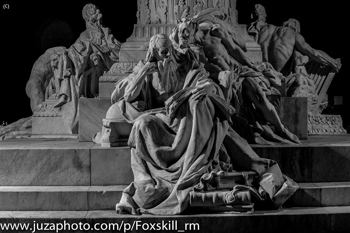 Gruppo scultoreo Goethe a villa borghese...