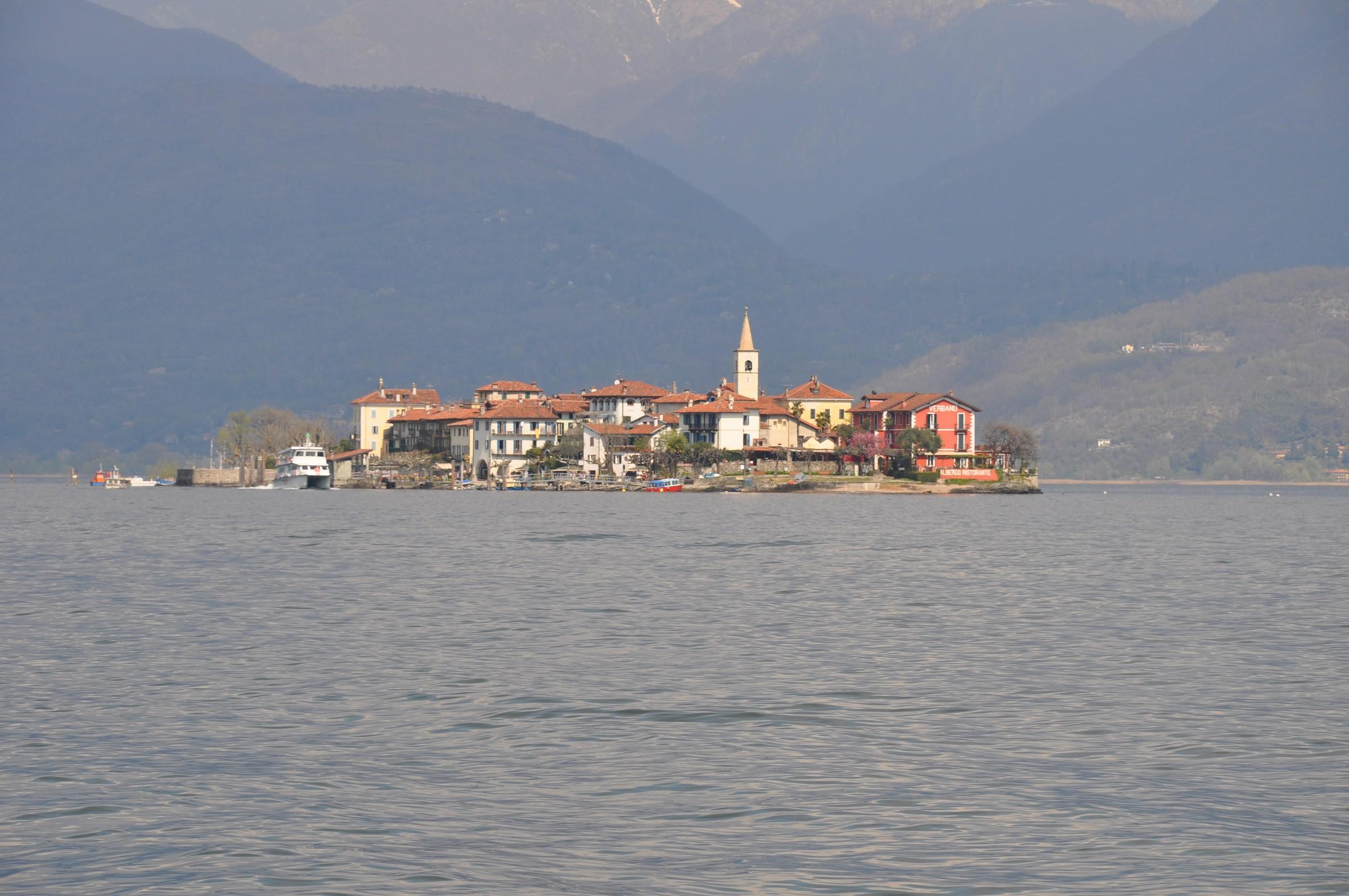 Isola dei Pescatori (Lago Maggiore aprile 2009)...