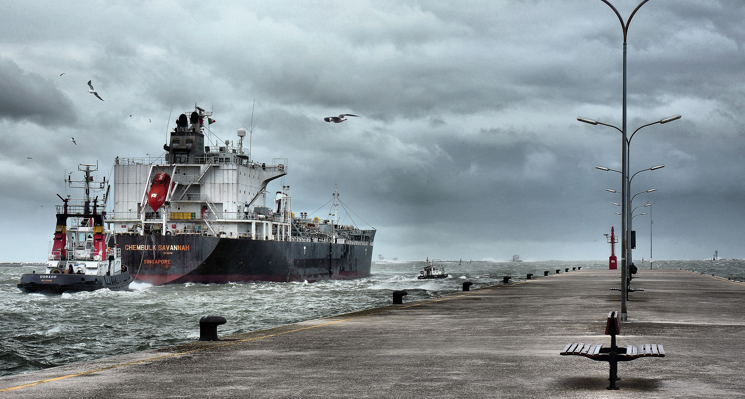 Storm in the port...