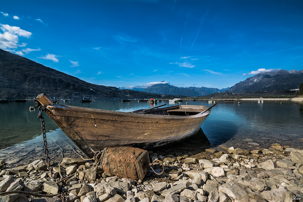 Boat on the lake...
