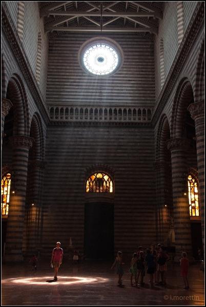 Orvieto interno duomo juzaphoto for Interno j