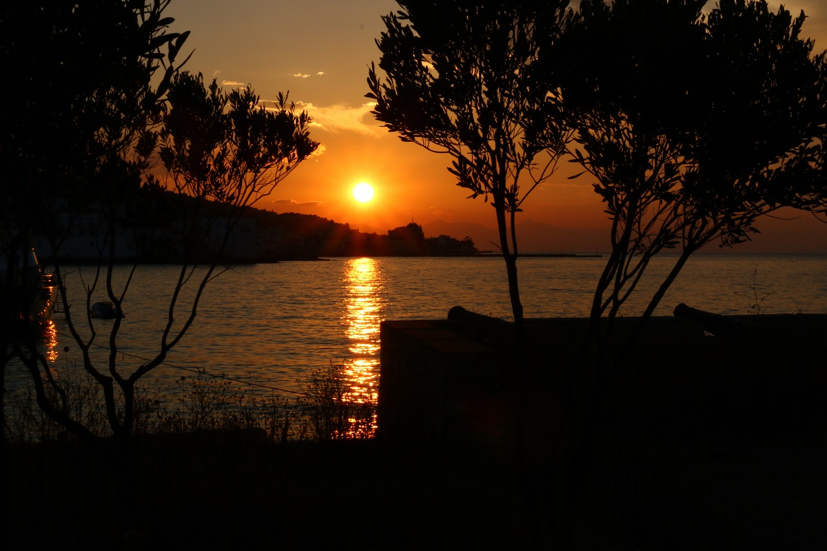 siluettes at sunset...