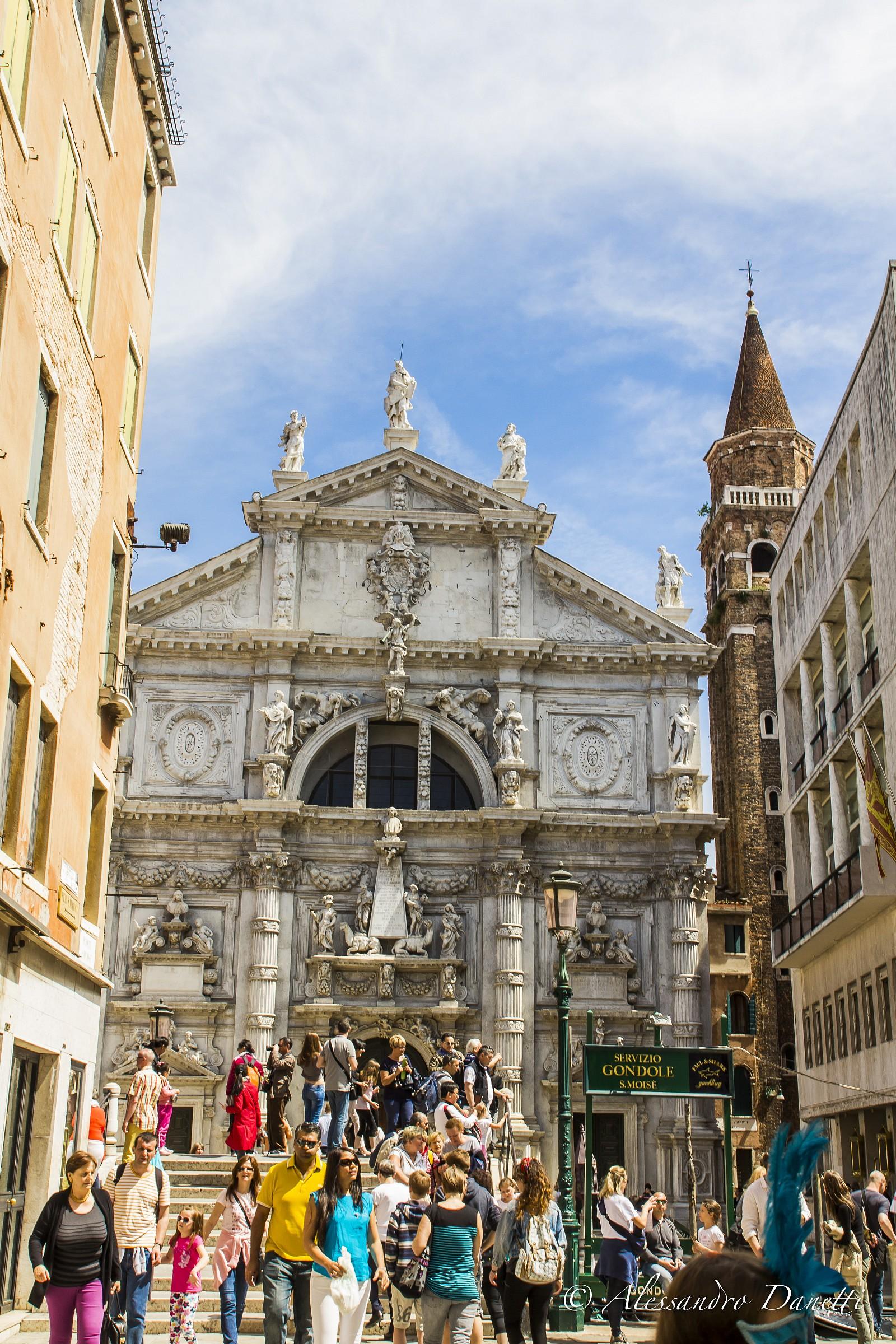 It seems Rome but Venice...