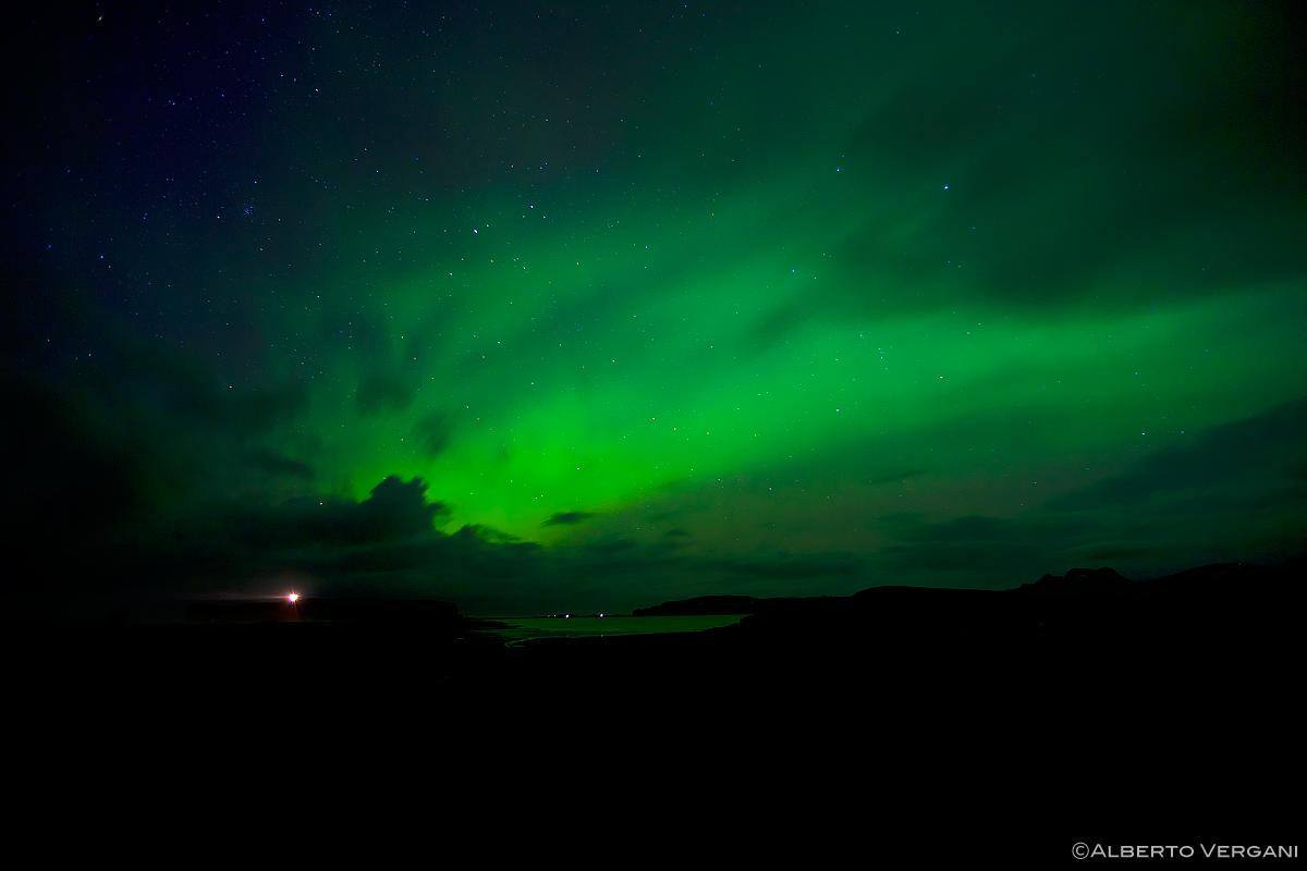 Aurora boreale reynisfjara islanda juzaphoto for Aurora boreale sfondo