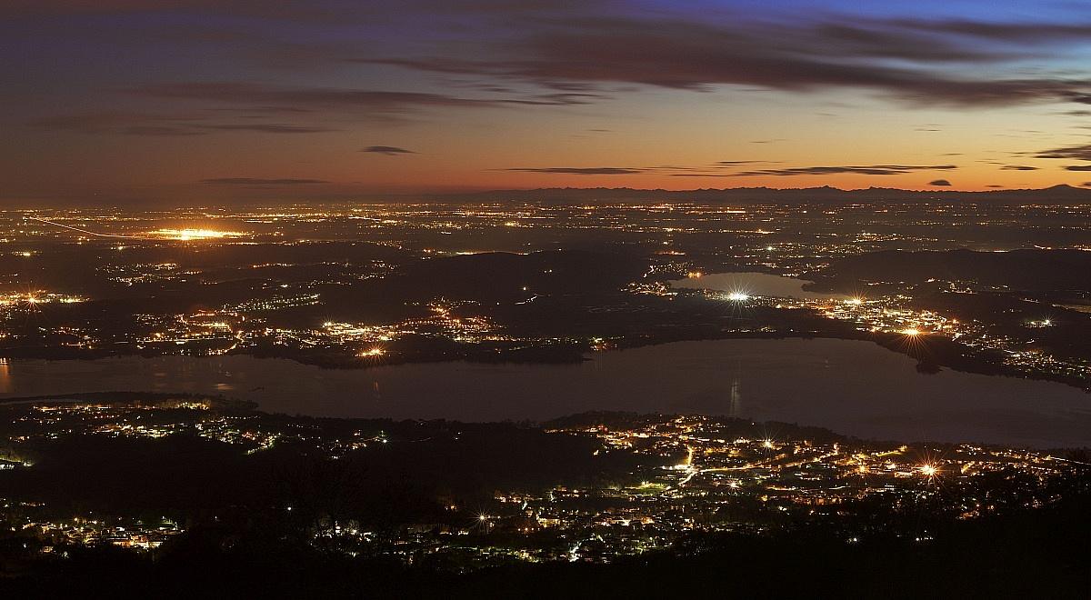 Lake Varese at sunset...