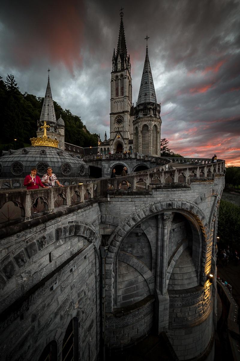 Fedeli al Santuario Nostra Signora di Lourdes...