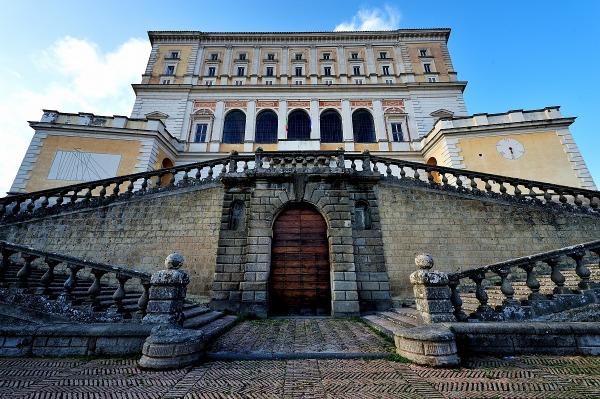 palazzo farnese - photo #24