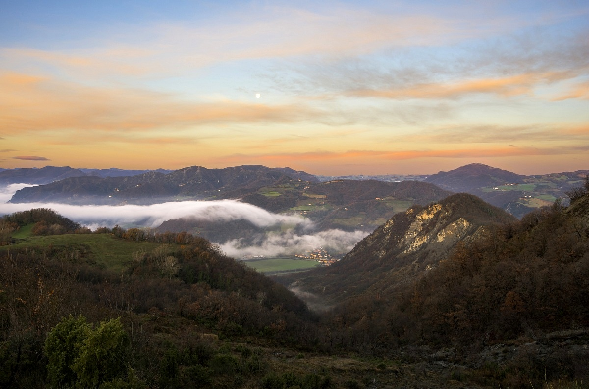 Sunrise on Pian di Venola (bo)...