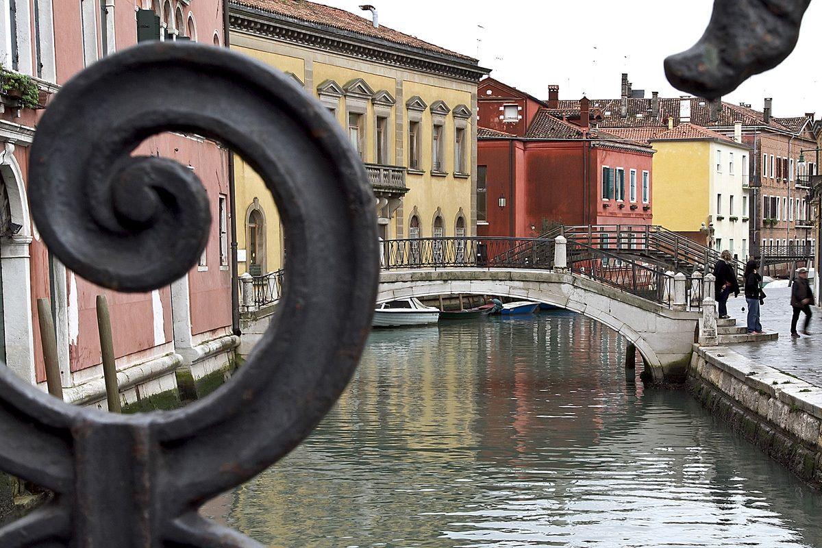 Venice through the bridges...