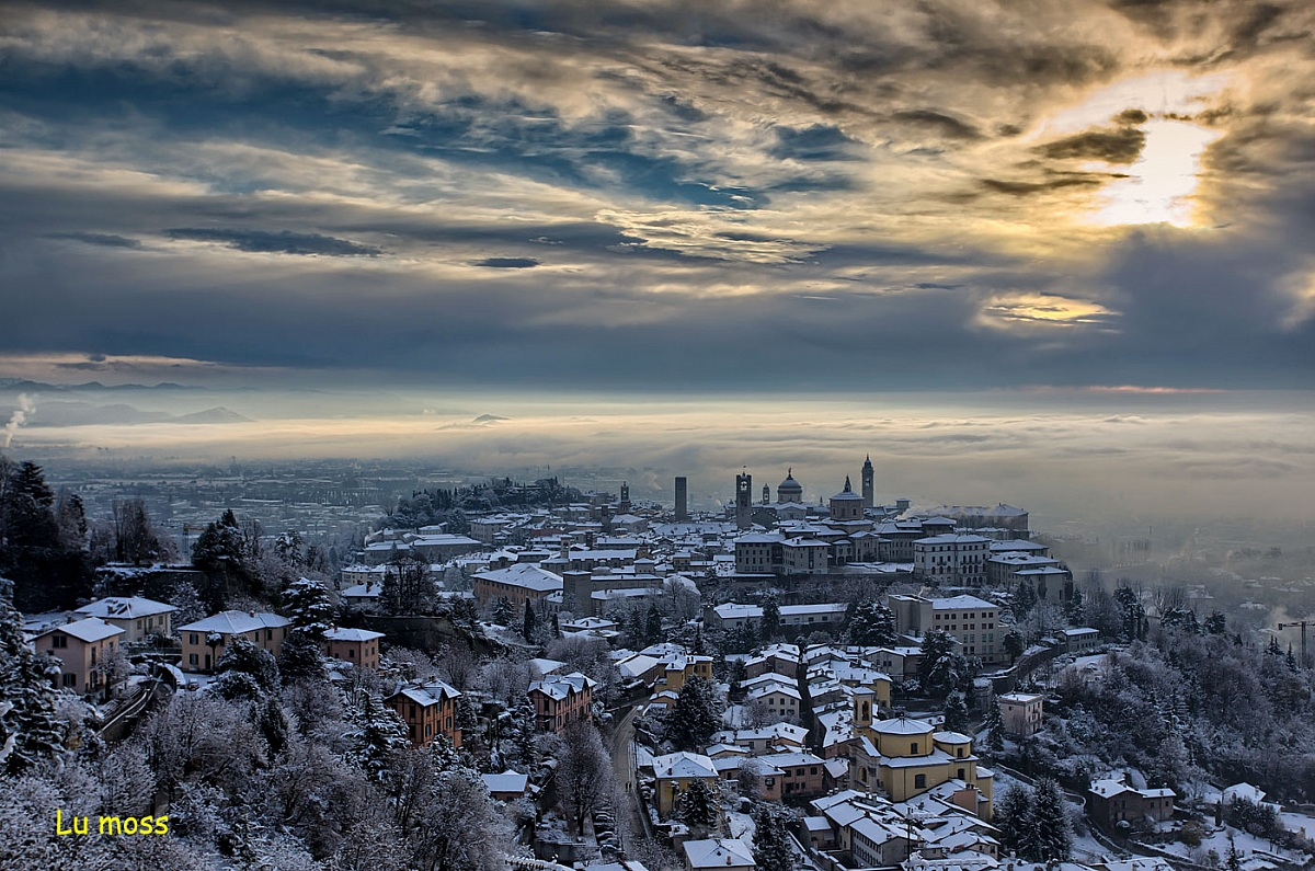 A white blanket of Bergamo Alta...