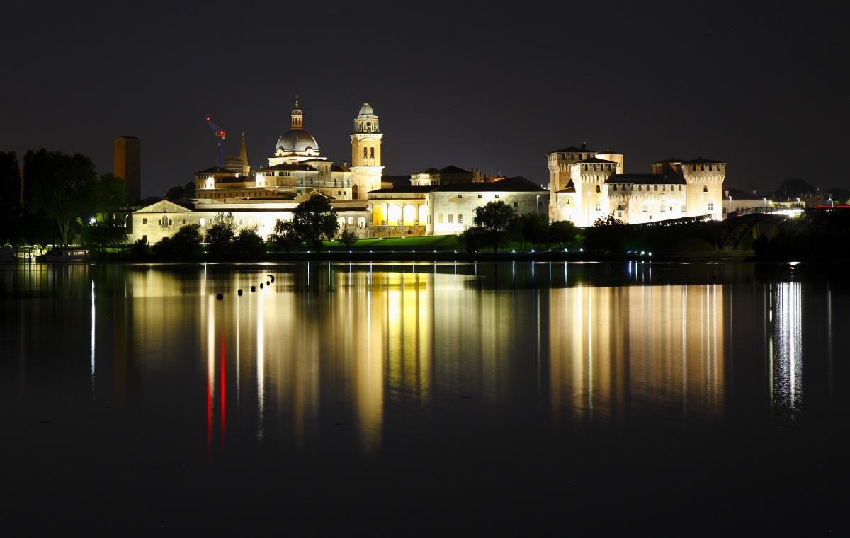Palazzo Ducale e il Castello di San Giorgio...