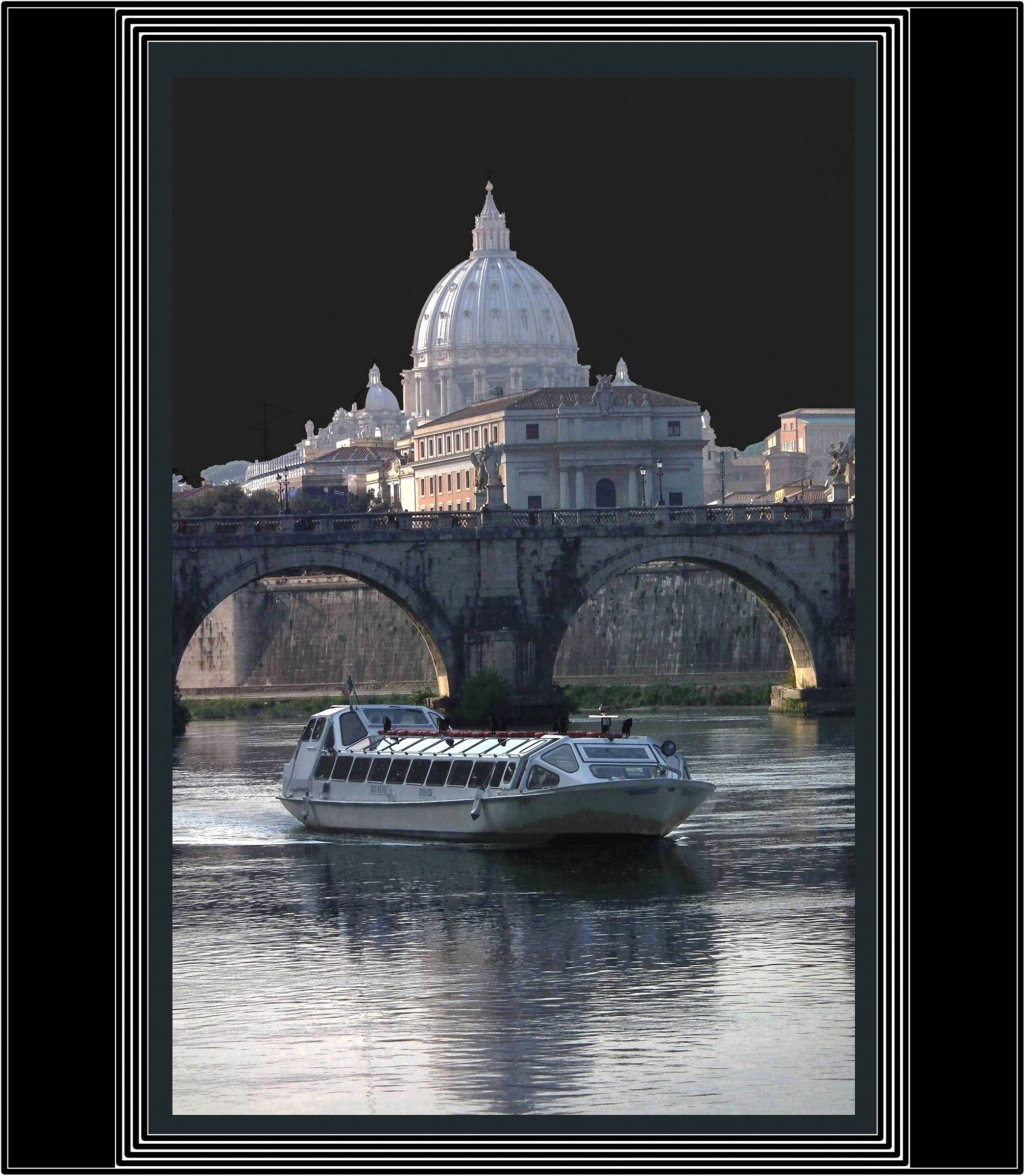 Navigation on Tevere..Roma .....
