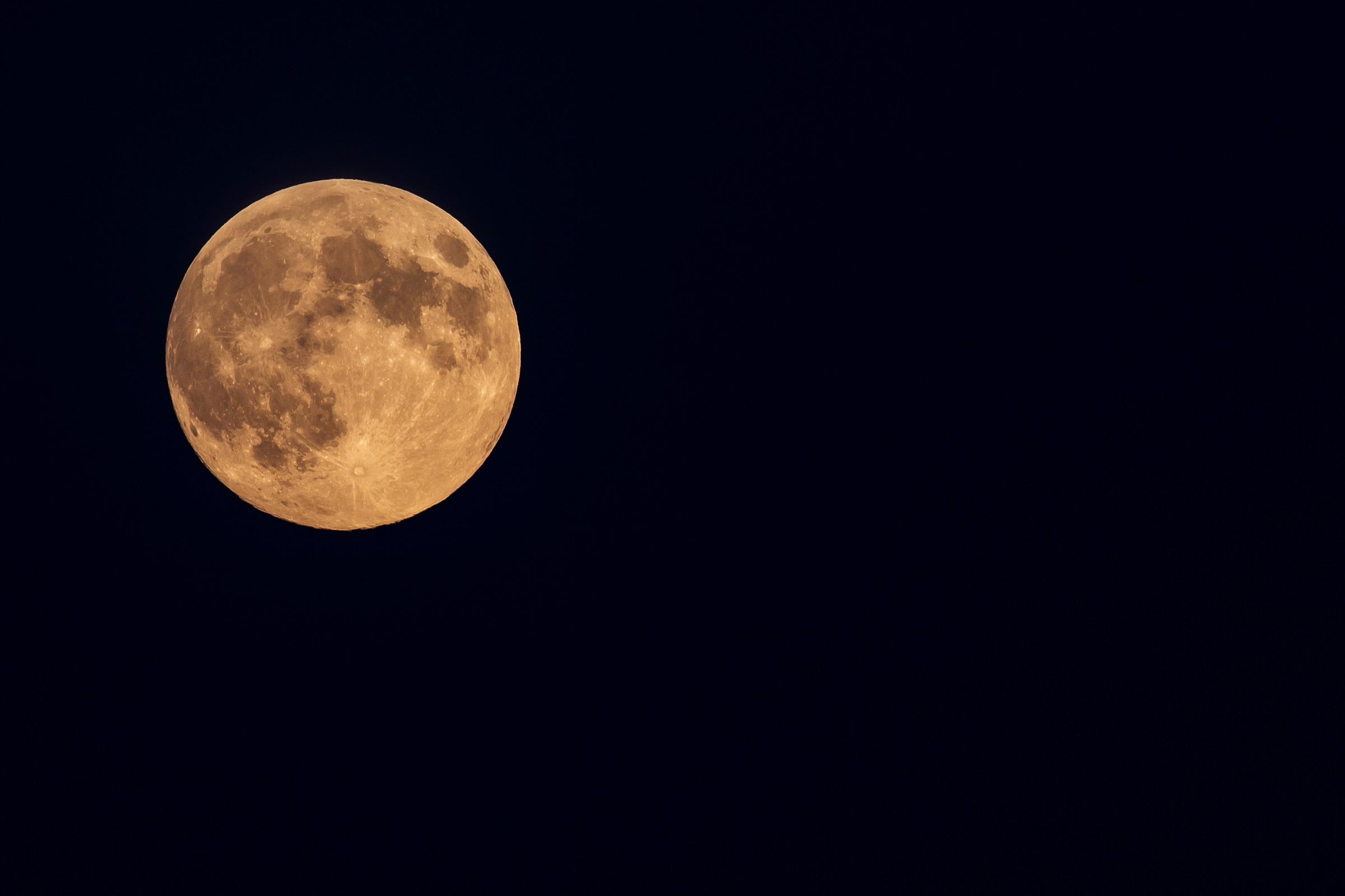 luna arancio...