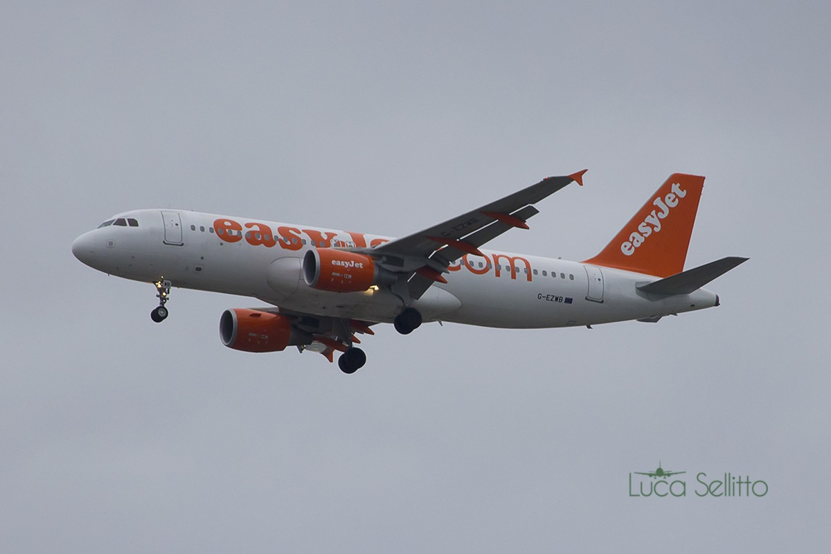 Airbus a320-214 EasyJet...