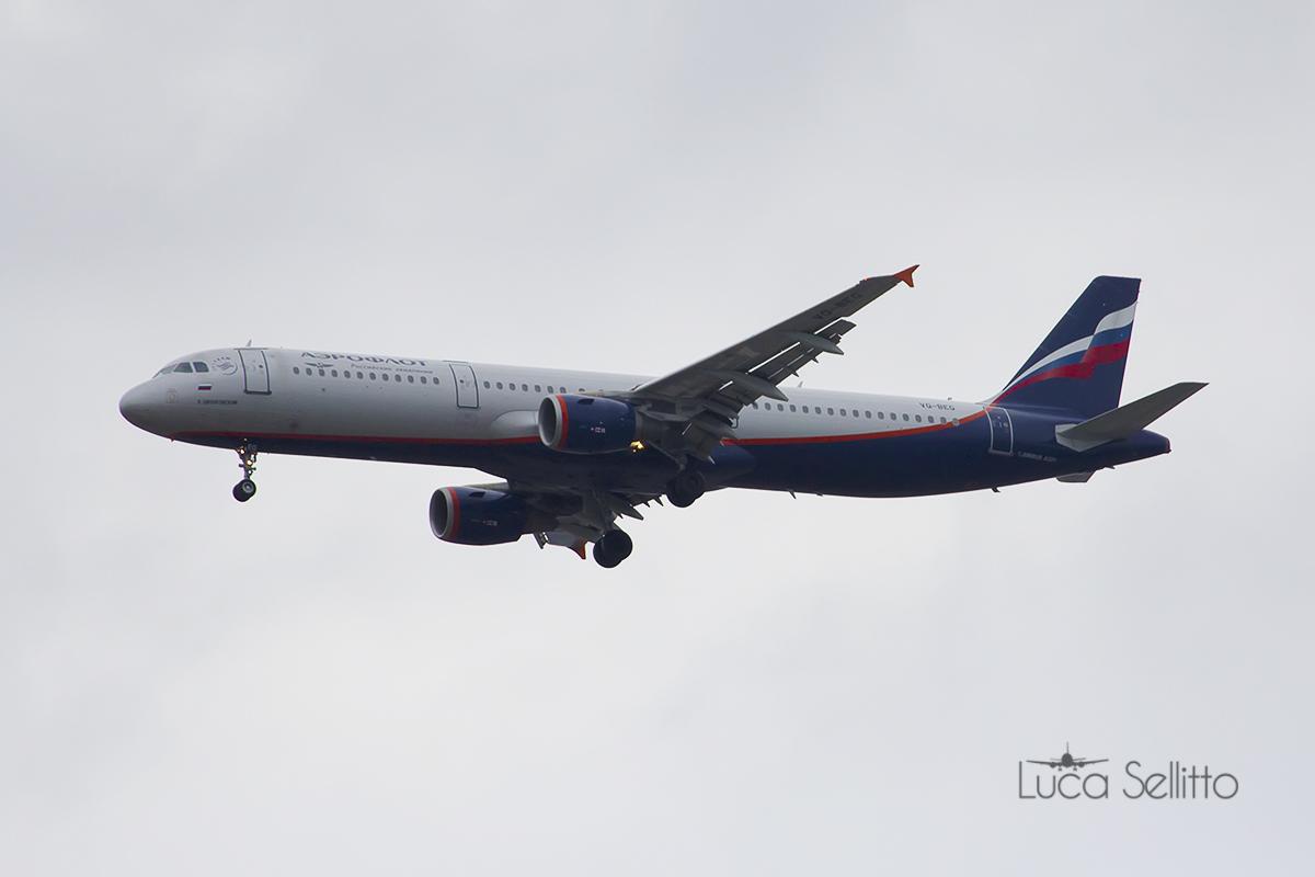Airbus A321-211Aeroflot...