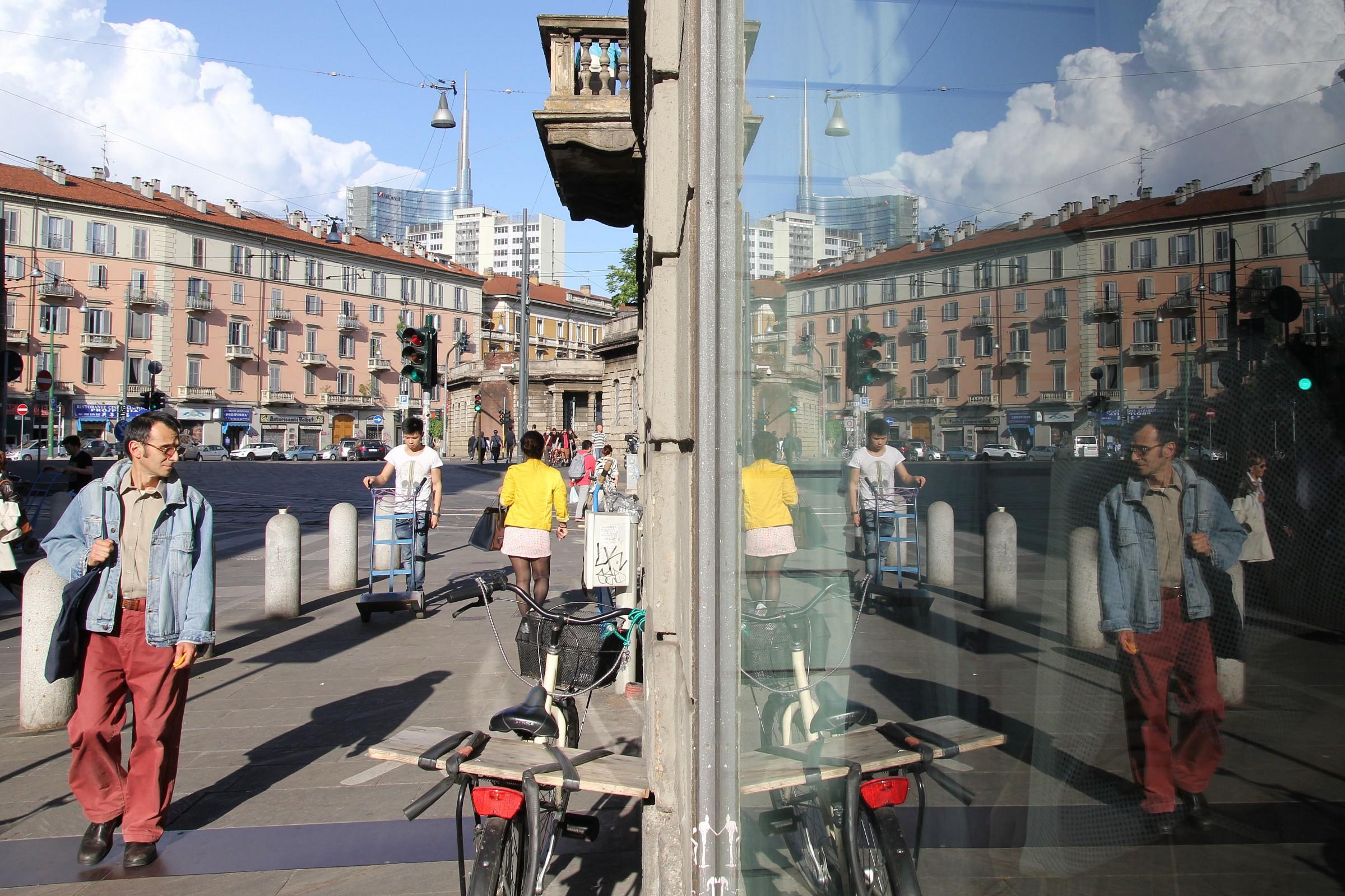 Paola Via Sarpi 9...