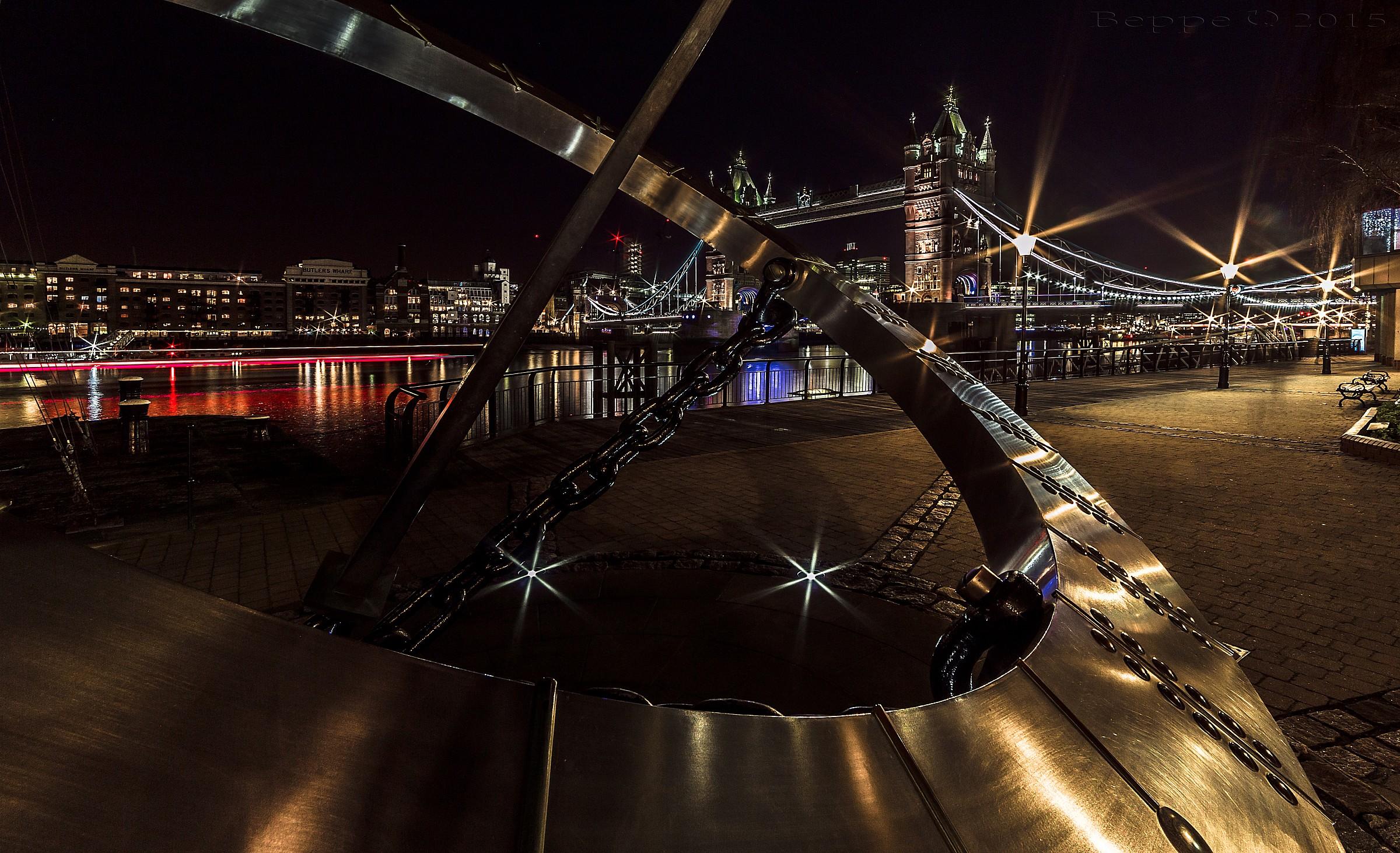 Timepiece at Tower Bridge...