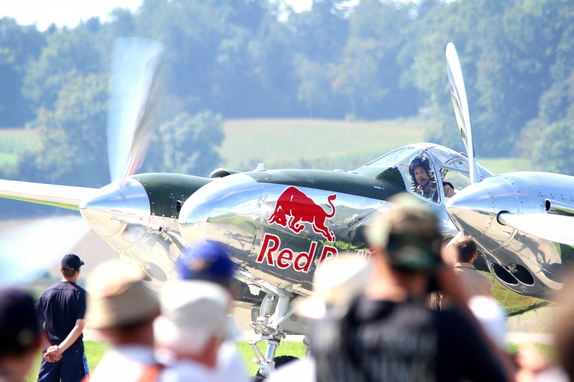 Red Bull - P38...