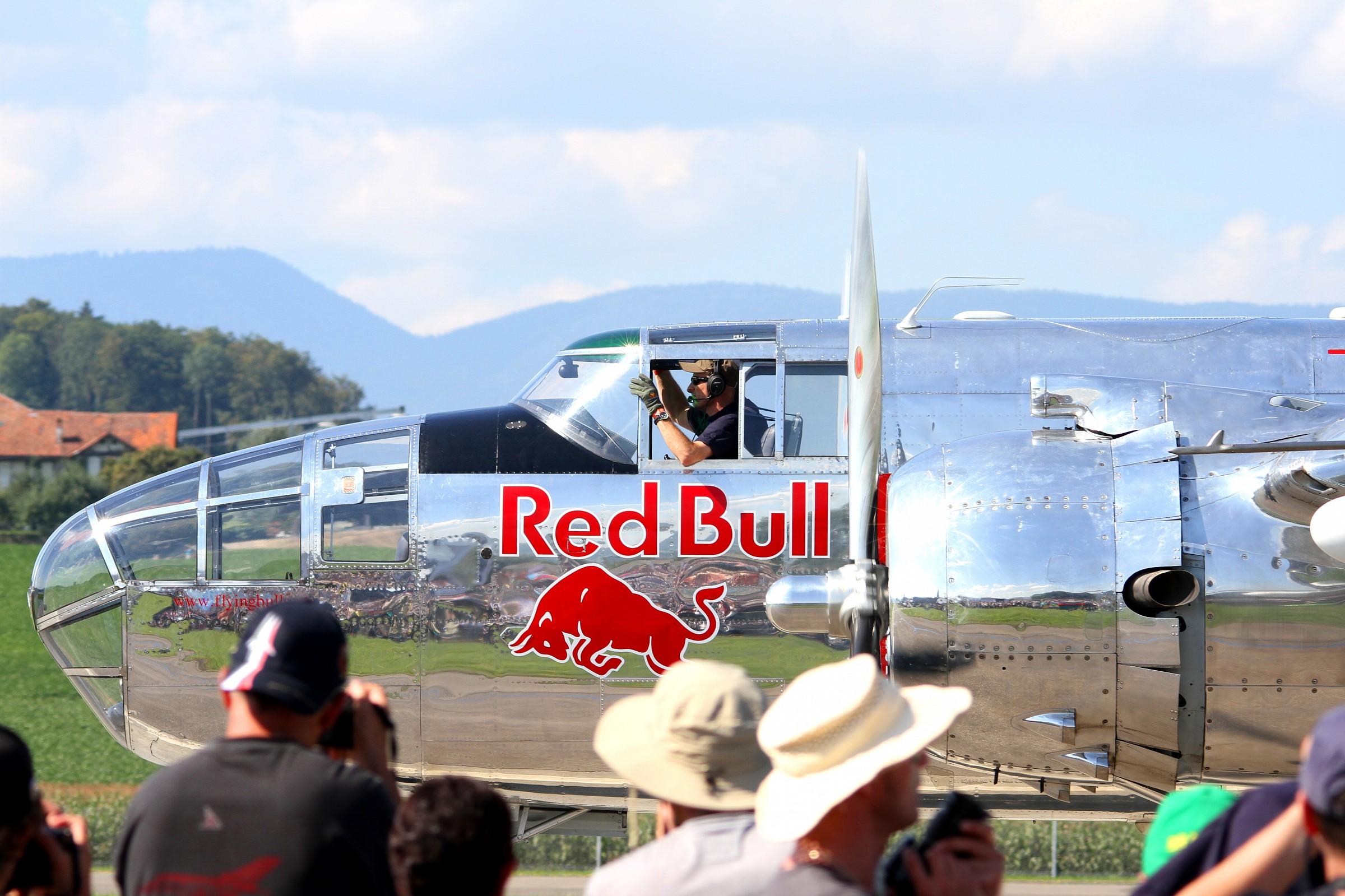 Red Bull - B25...