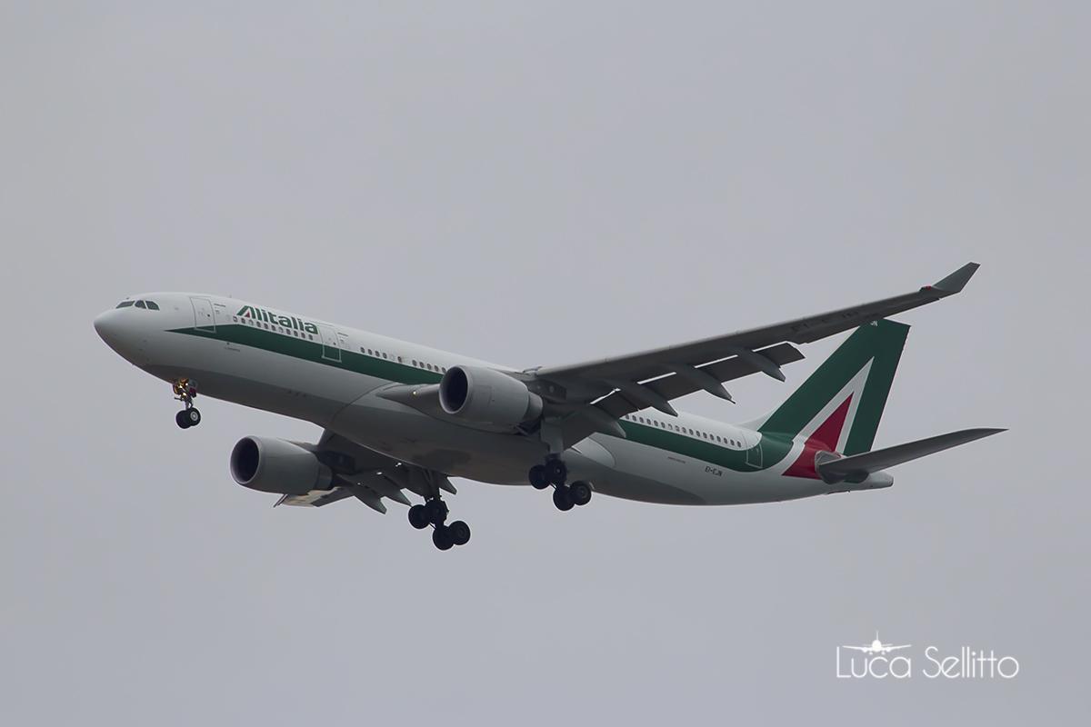 Airbus a330-202 Alitalia...