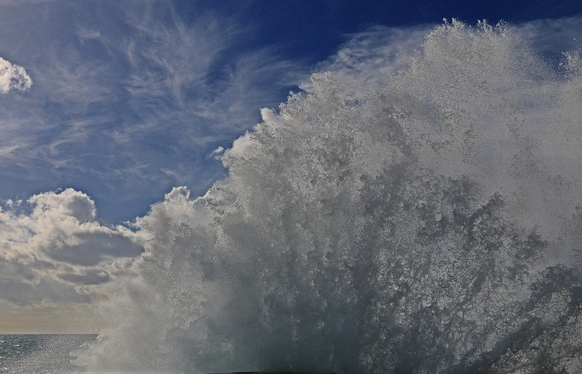 splashes and clouds...