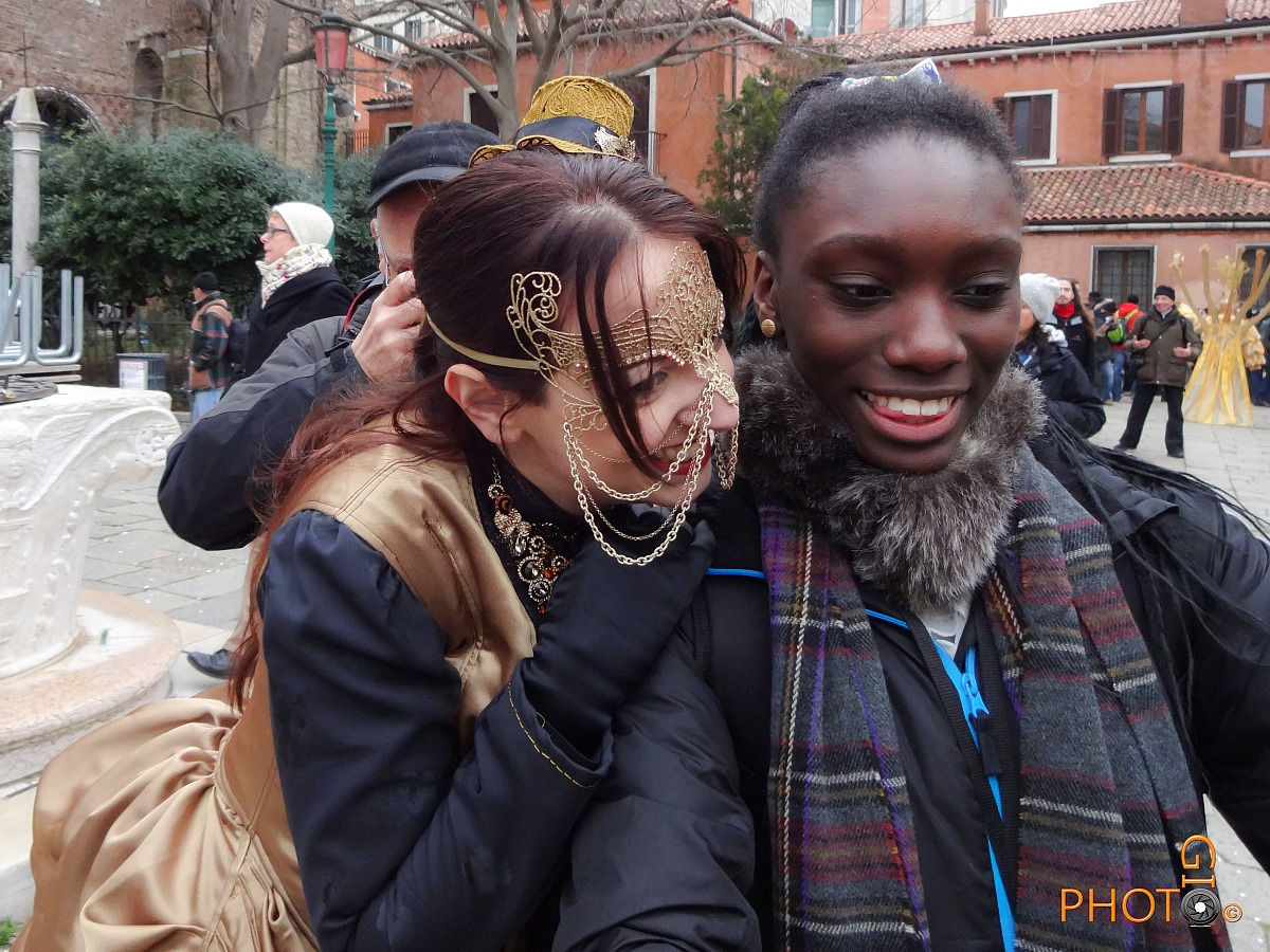 Venice Carnival - Selfie with Sony QX10...