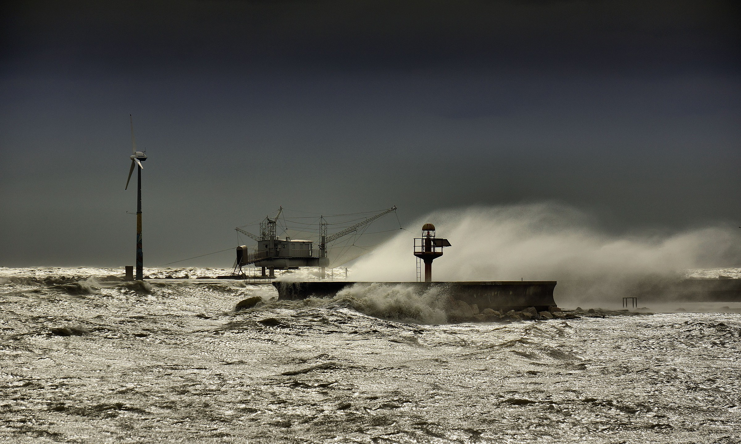 Storm on the pier...