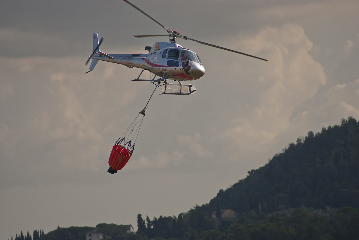 Elicottero Vigili Fuoco : Elicottero dei vigili del fuoco juzaphoto