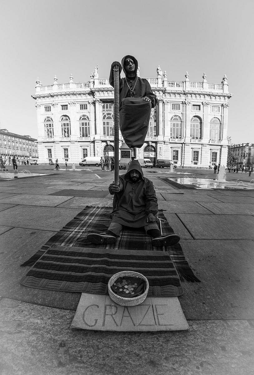 Cool levitation...