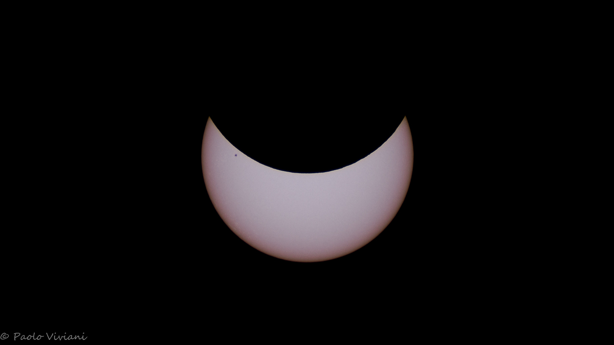 My eclipse with lots of sunspot :)...
