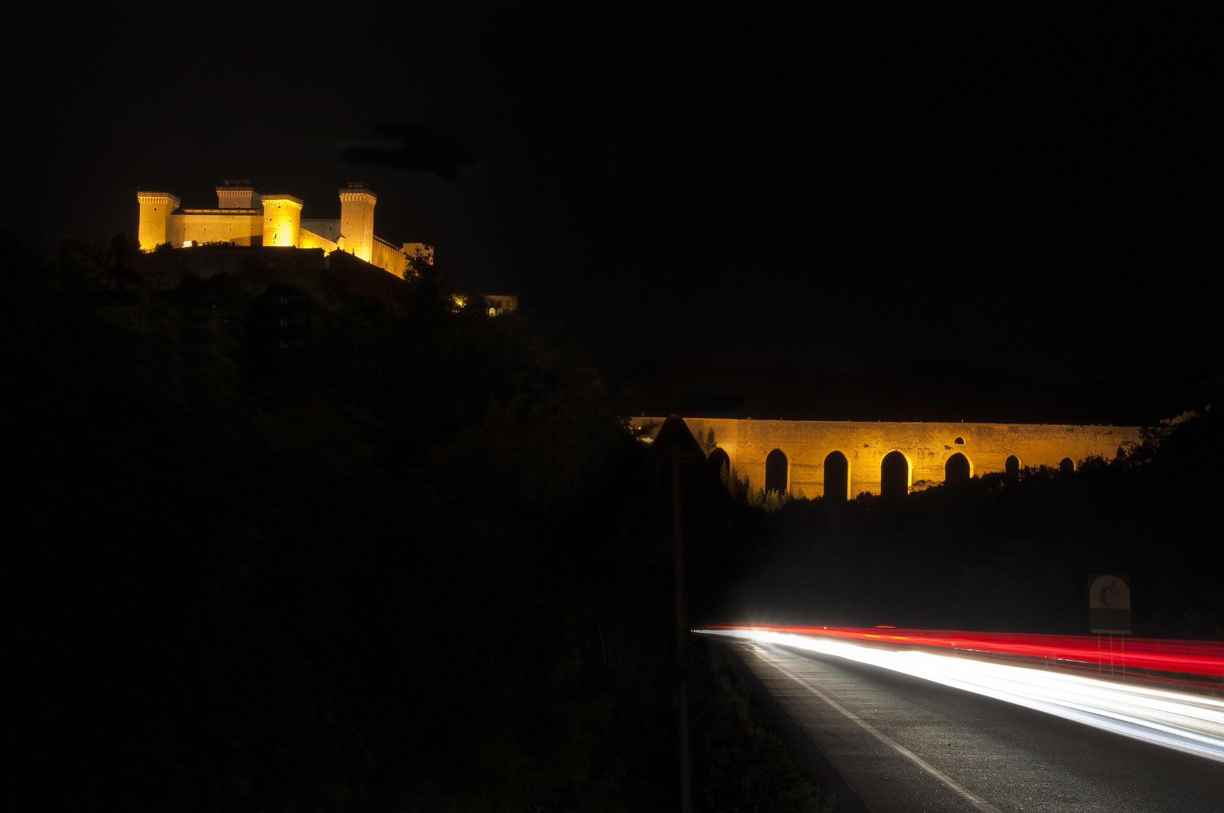 bridge towers surprised at night ......