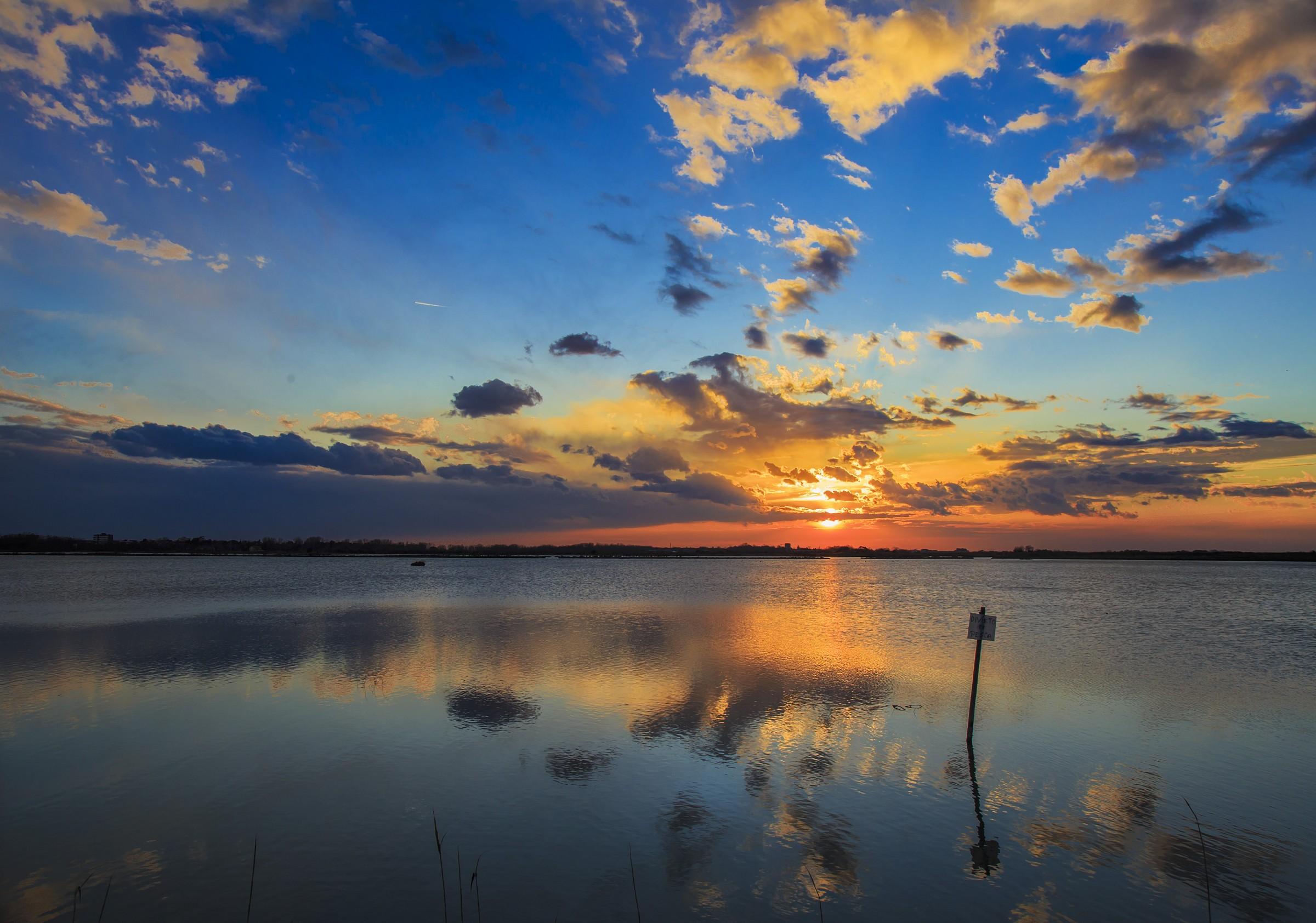 tramonto sulla laguna di Grado...