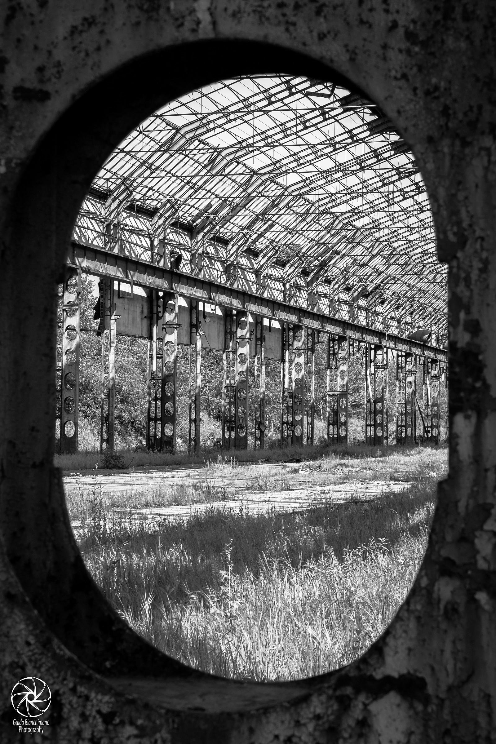 Among the abandoned warehouses Lambrate 3...