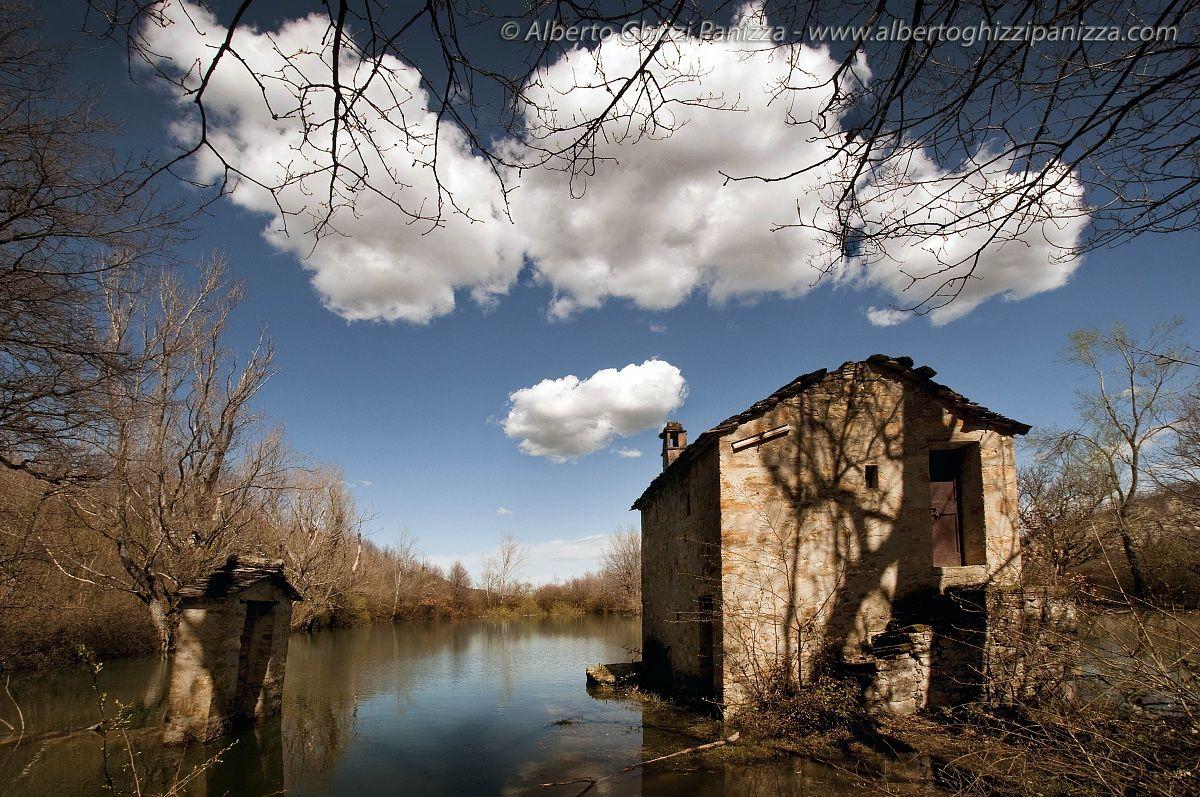 Landscapes by alberto ghizzi panizza juzaphoto for Casetta sul lago