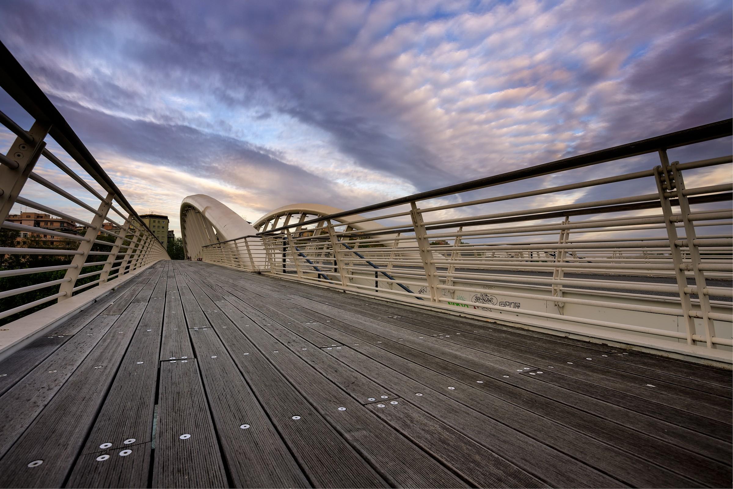 roma. il ponte della musica...