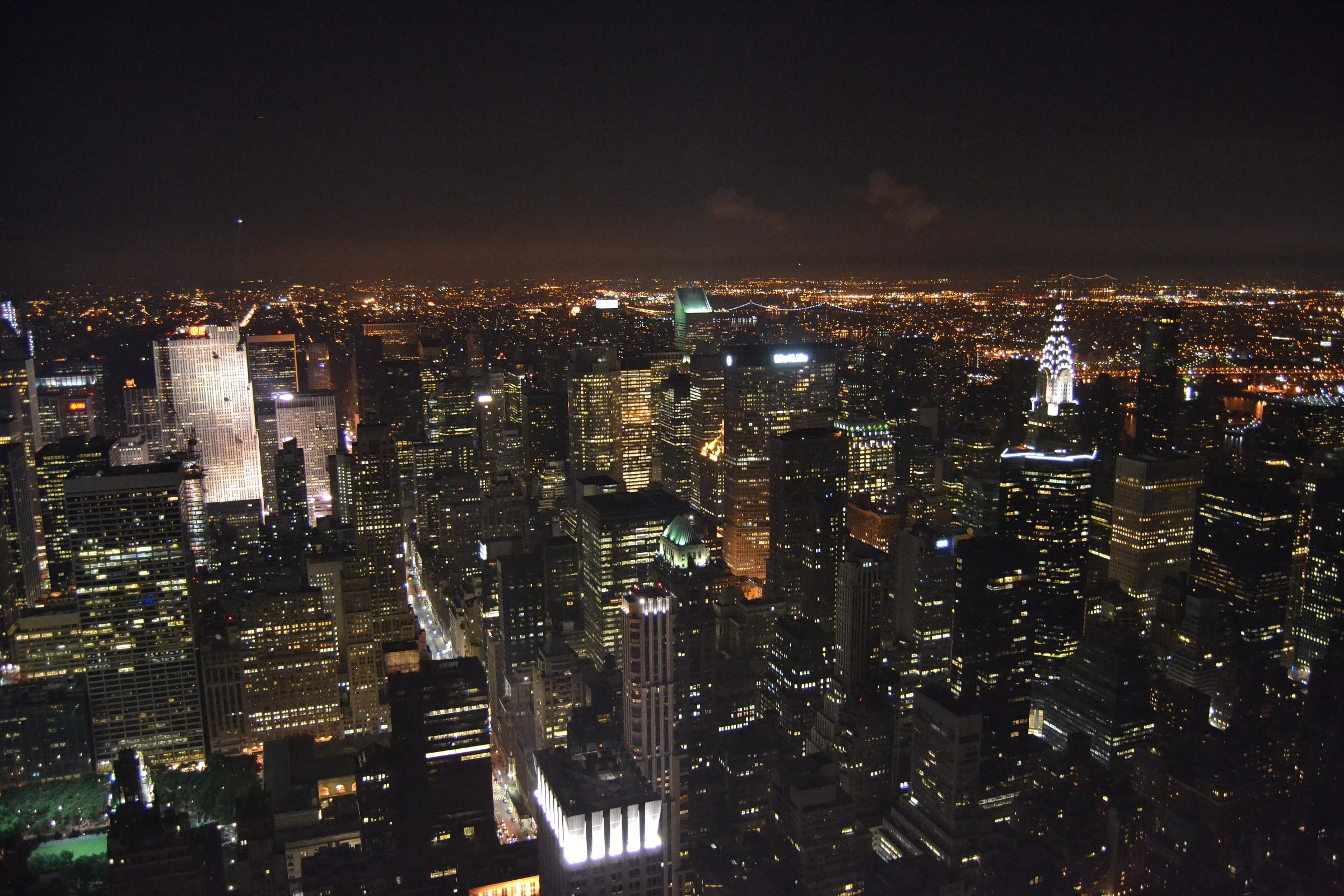 Night view Empire...