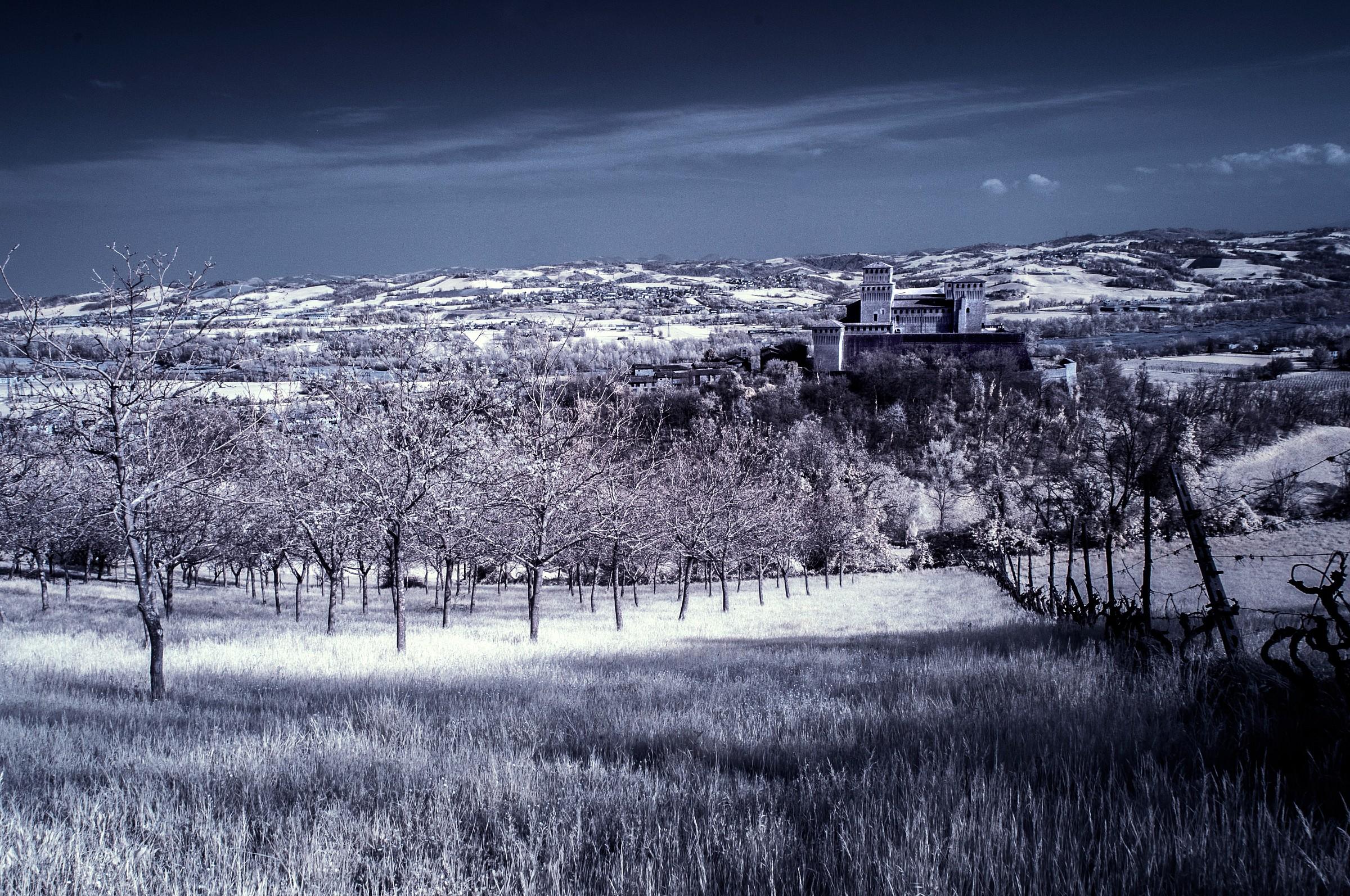 Castle Torrechiara IR 2...