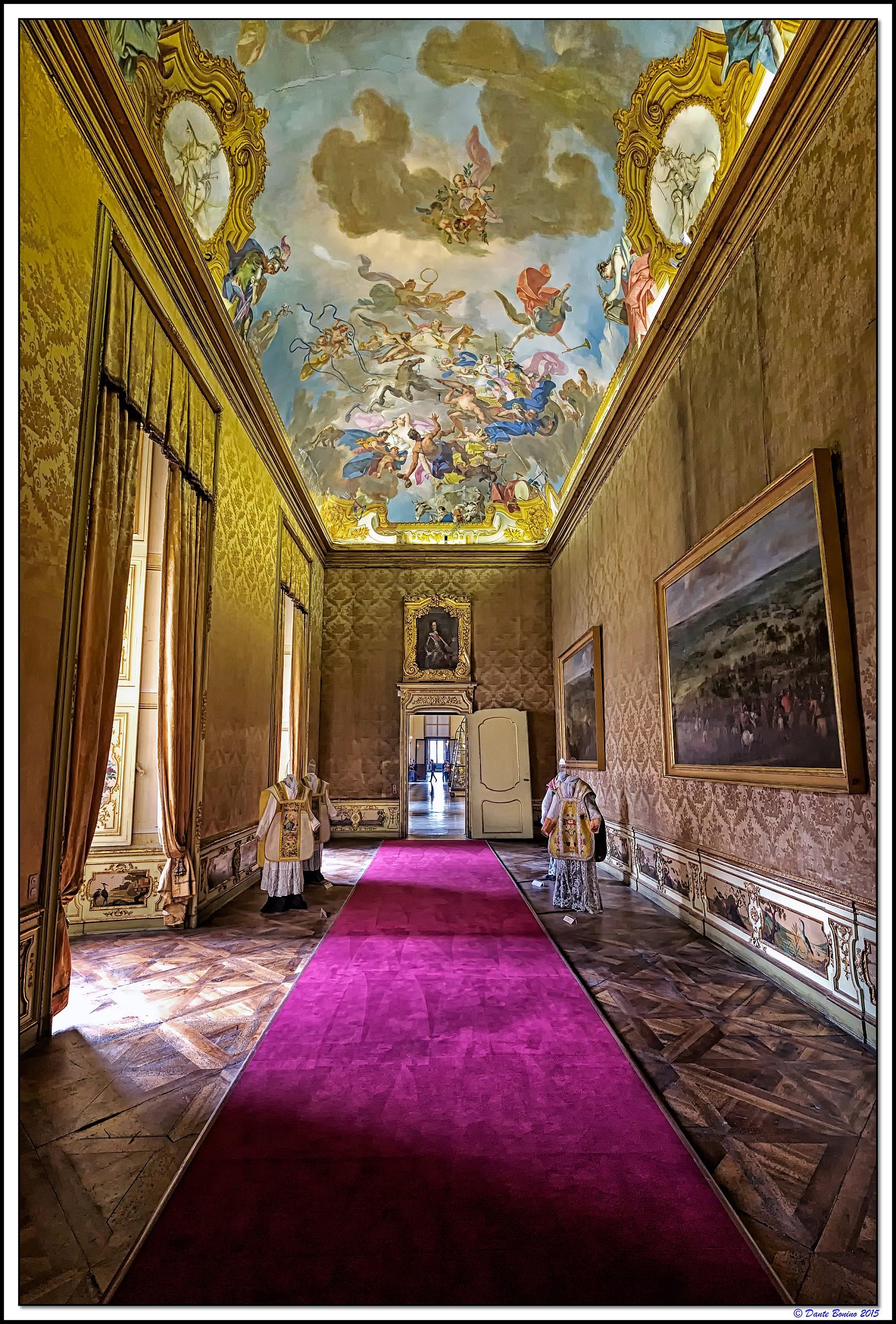 Palazzo reale salone dei quadri moderni juzaphoto for Compro quadri moderni