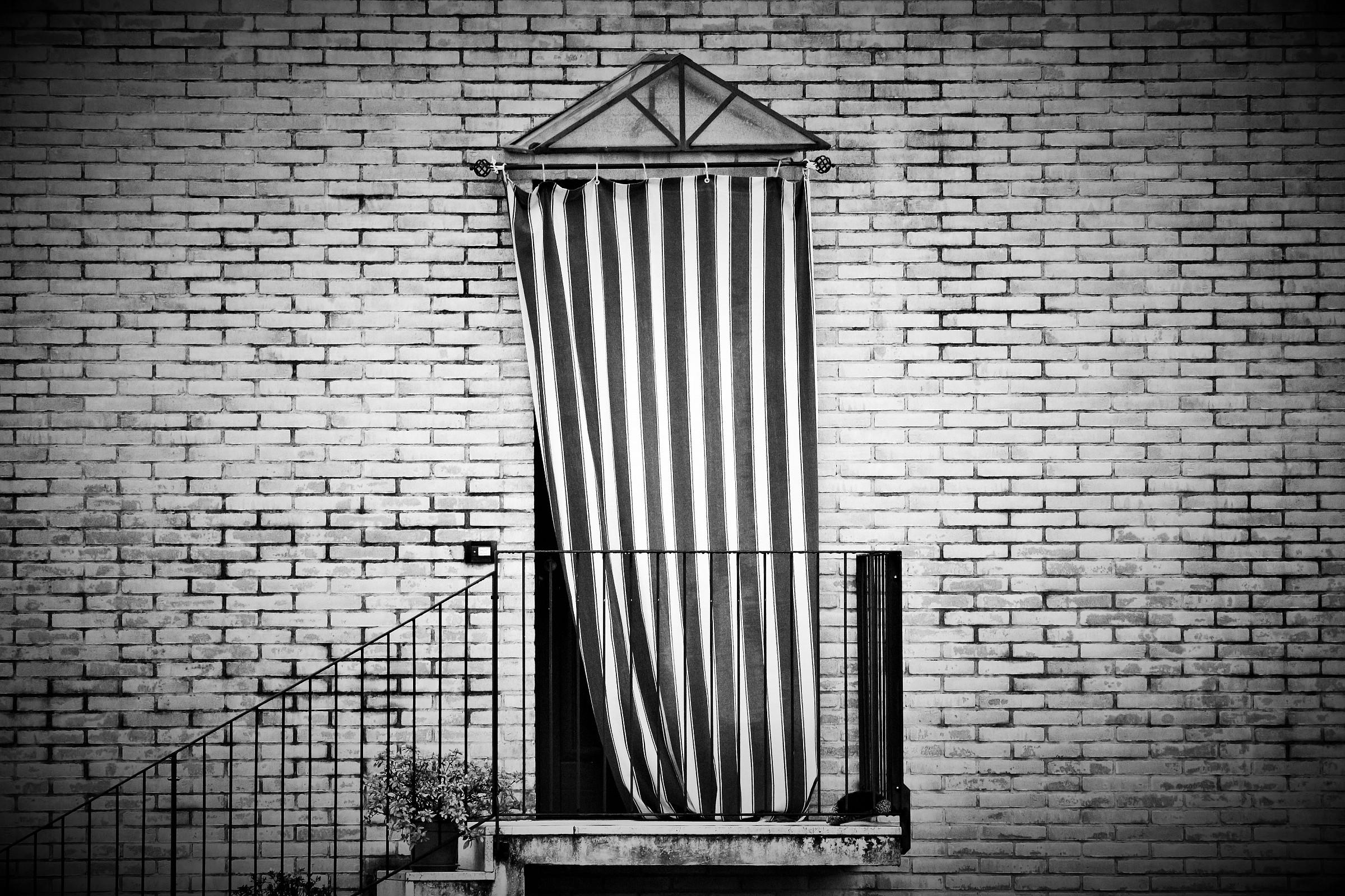 A door ... a life in black and white ......