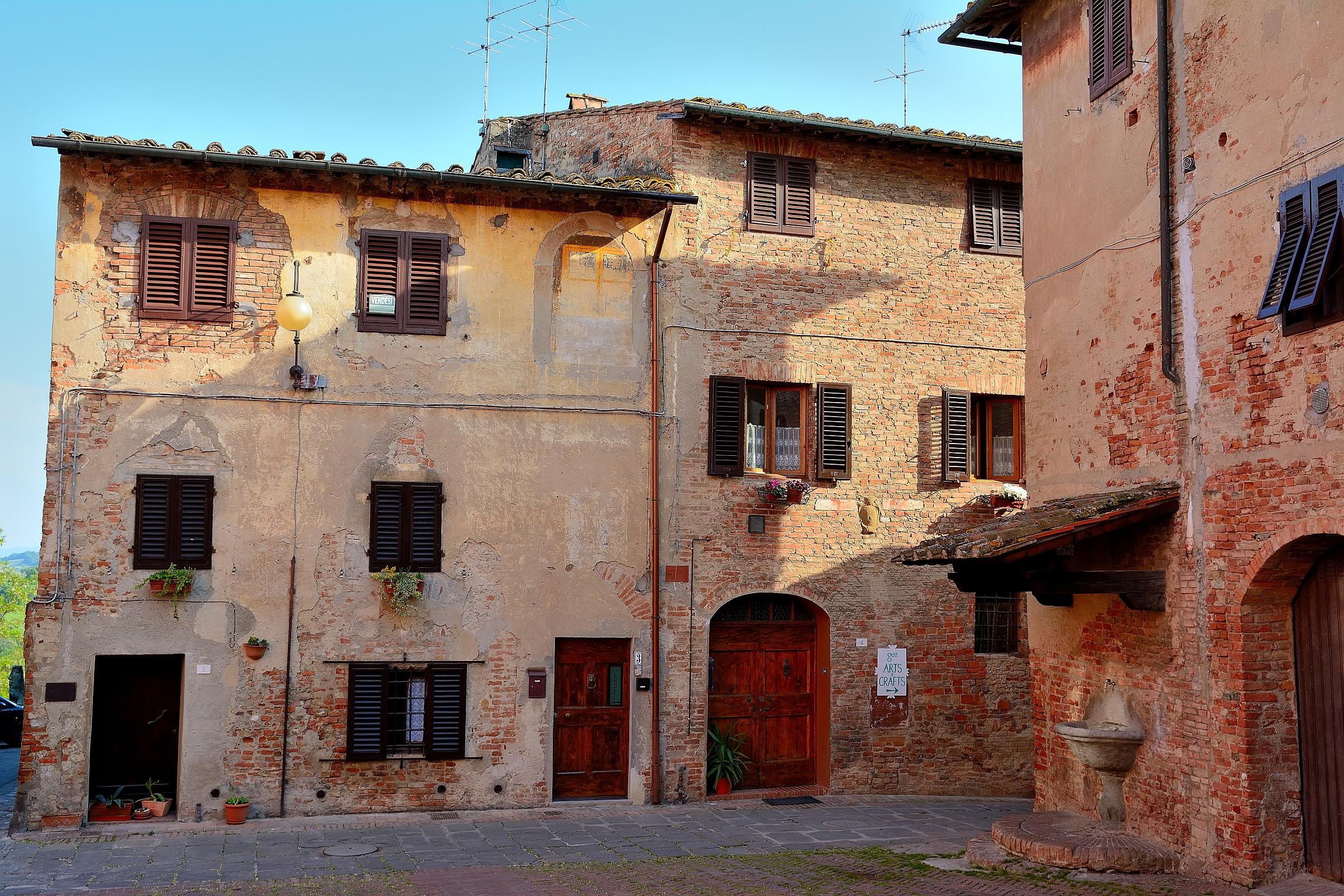 Certaldo high - houses...