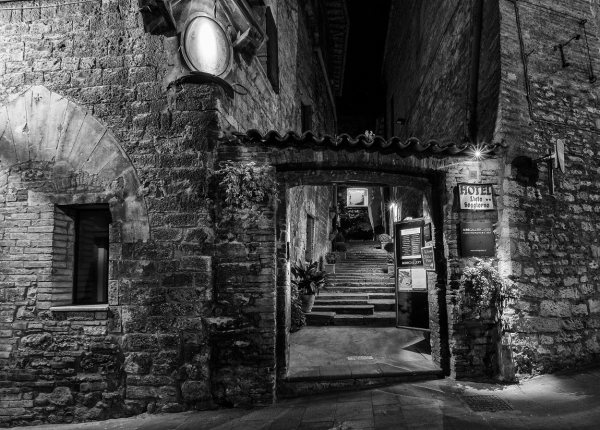 Photos taken at Assisi, page 6   JuzaPhoto