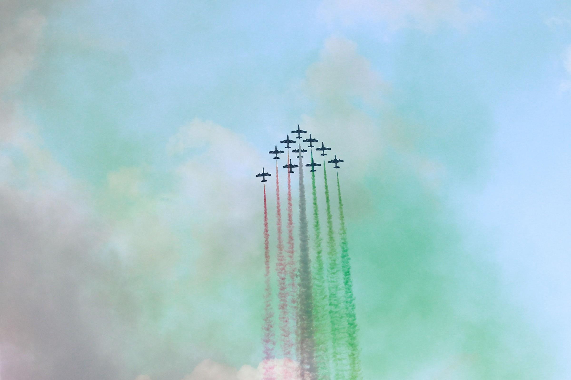 Arrows tricolor...