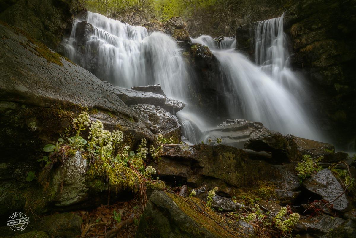 Dardagna falls - power of water...