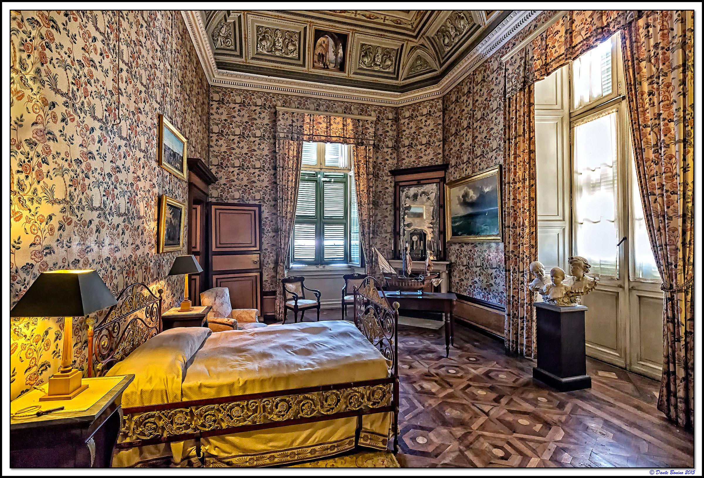 Il Castello di Racconigi: Camera da letto della Regina ...
