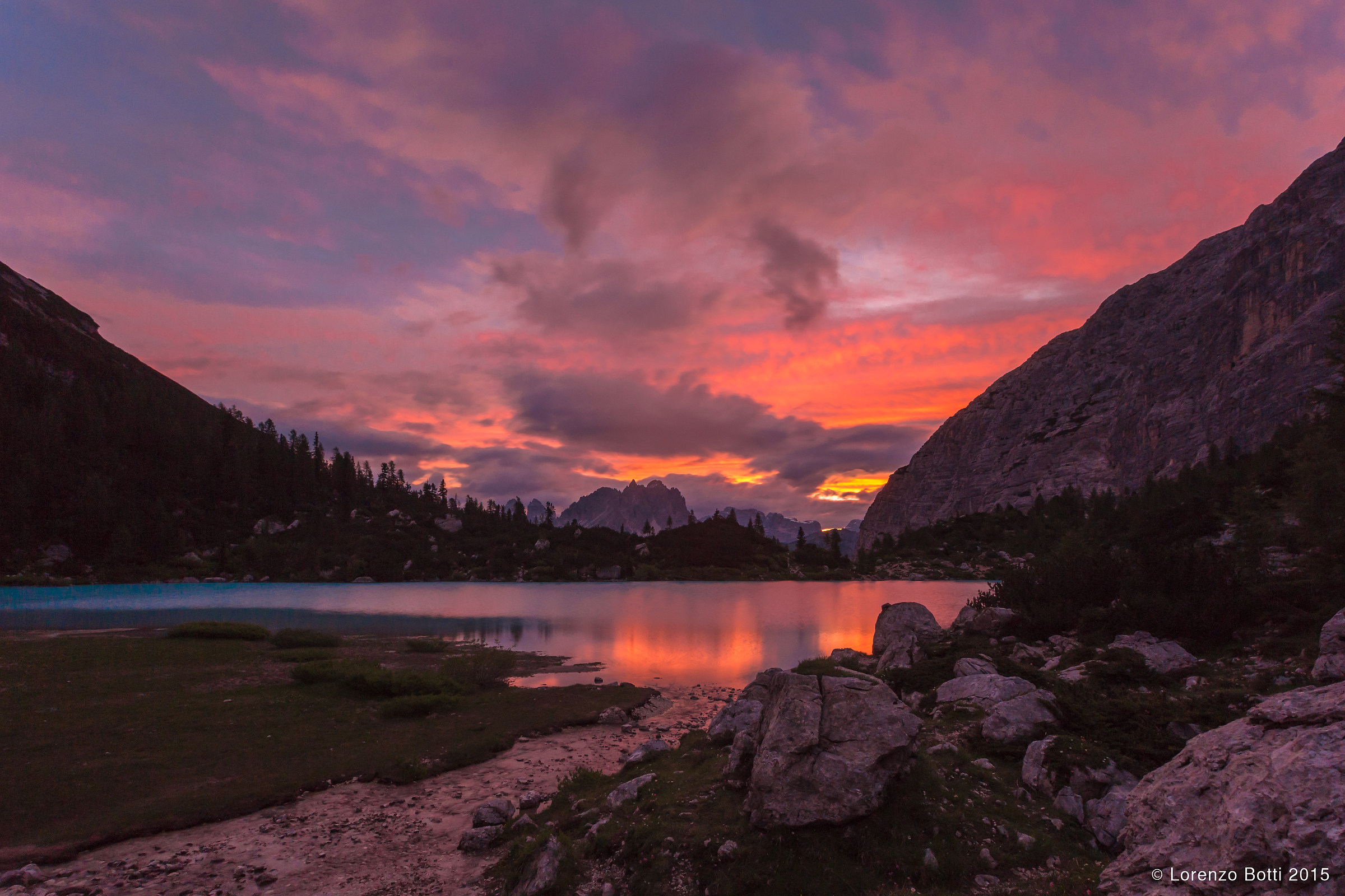 alba al lago Sorapis...