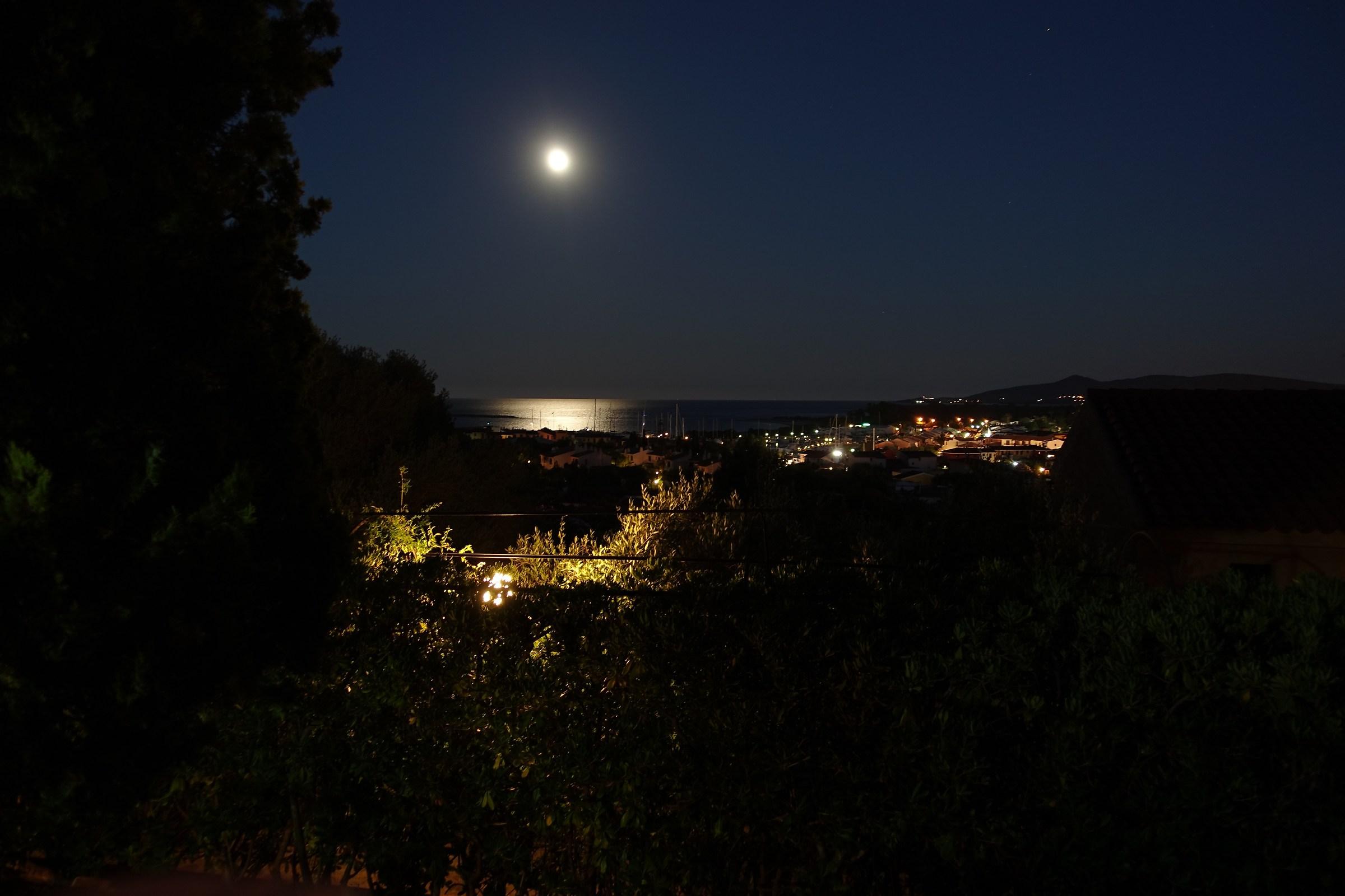 luna a Porto Ottiolu...