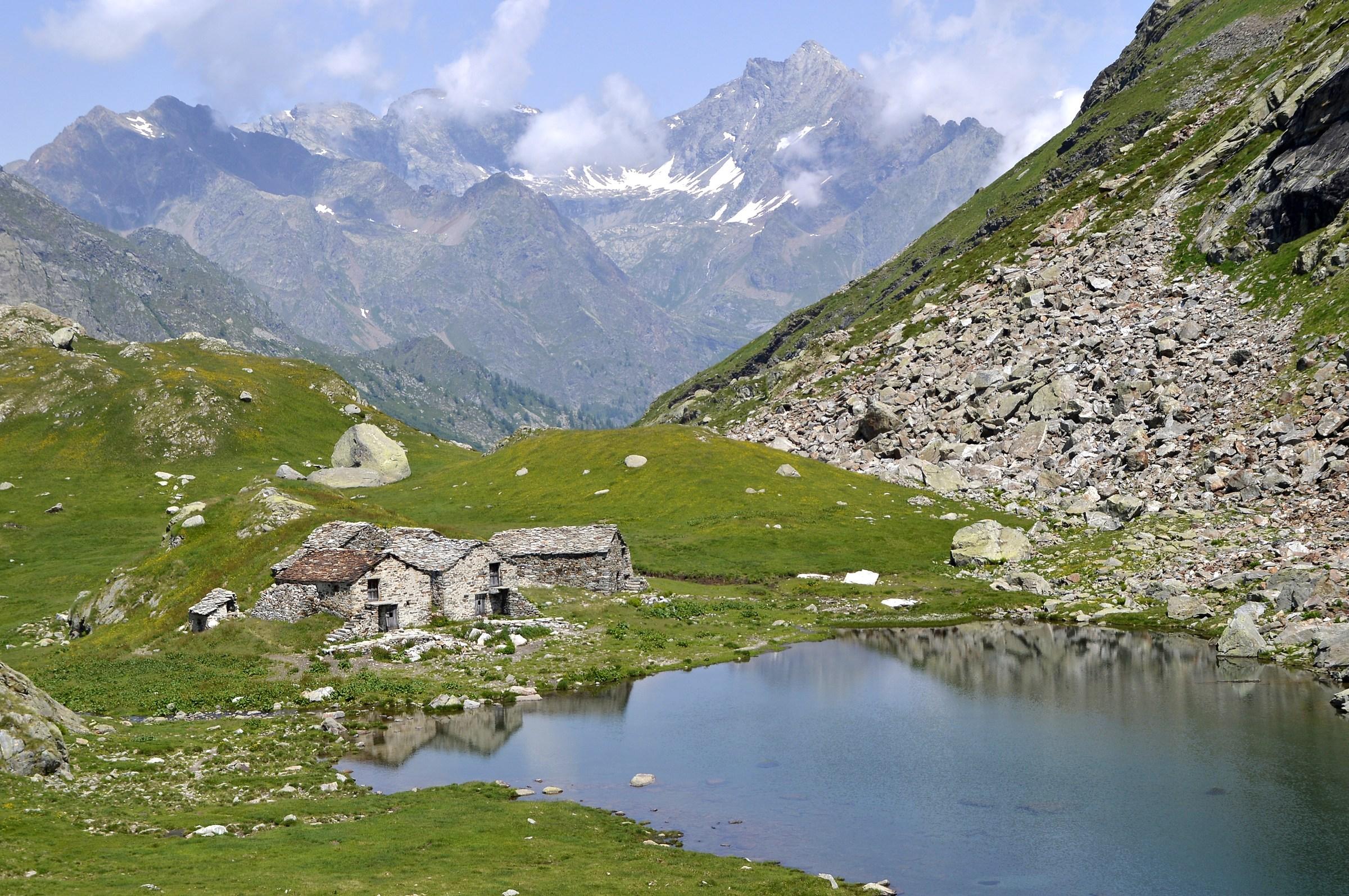 Alpe Maccagno  alta Val Vogna...
