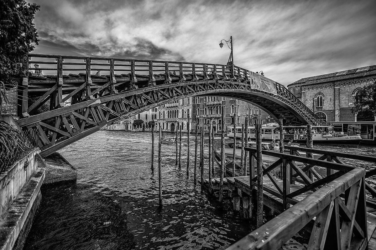 Ponte dell'Accademia...