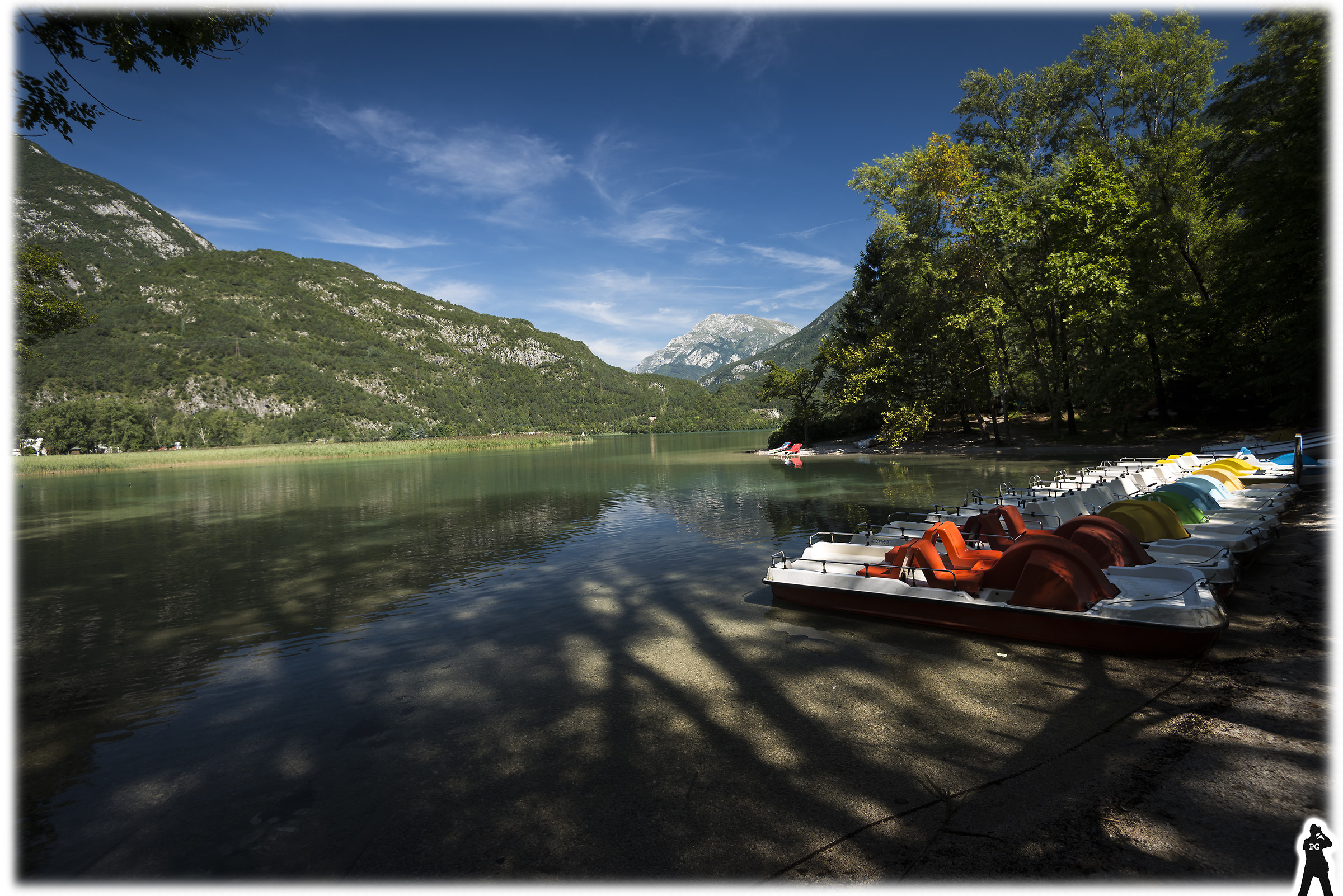 Lake Cavazzo 01 (or lake of 3 common borders or 3!)...