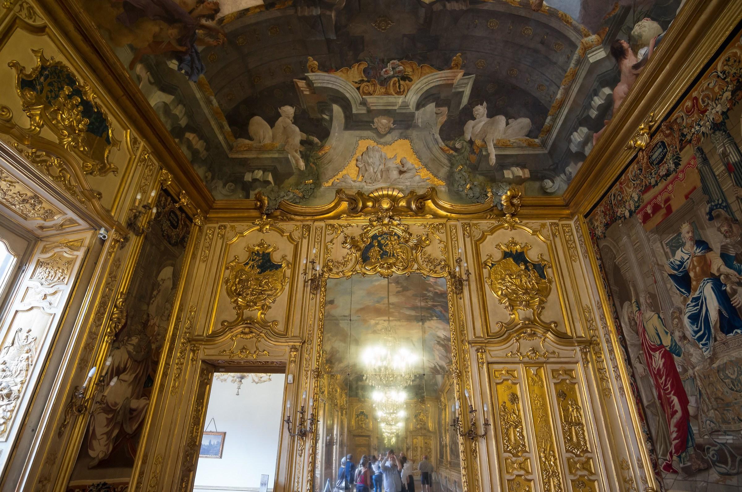 Palazzo Clerici - Galleria degli Arazzi - 2...